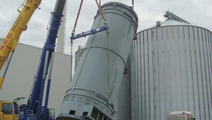 Thermoöl-Abhitzekessel beheizt mittels Rauchgasen aus einer Biomasse-Feuerung