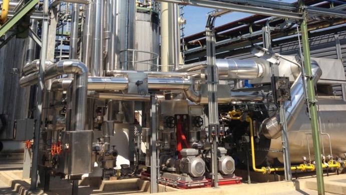 Thermoölkessel mit Verbrennungsluftvorwärmer zur Reaktorbeheizung - Fired heater with air pre-heater for Reactor heating