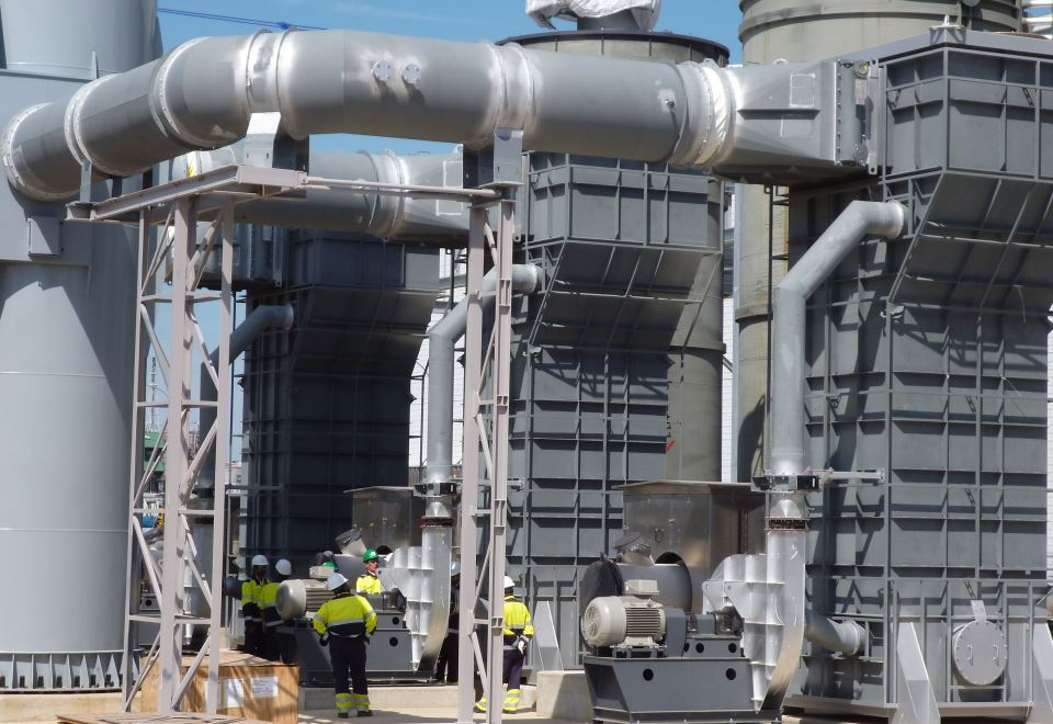 Befeuerter Erhitzer einer PET-Produktionsanlage - Fired heater of a PET-production plant