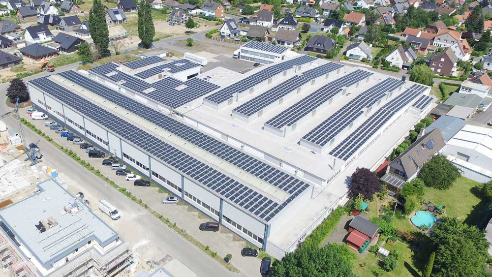 652 tons of CO2 per year saved with a hall roof > heat 11